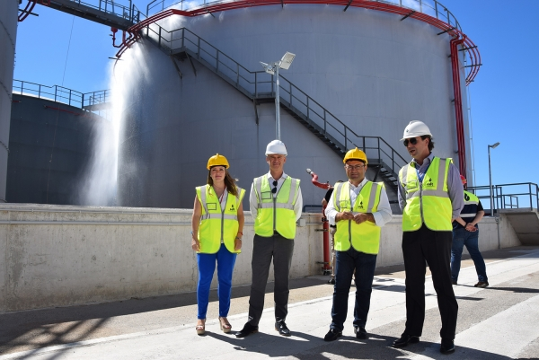 Miguel Angel Heredia durante su visita a la empresa Oil Distribution Terminals.